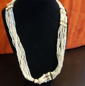 Jewelry - 💕BOHO Creamy Bead Necklace